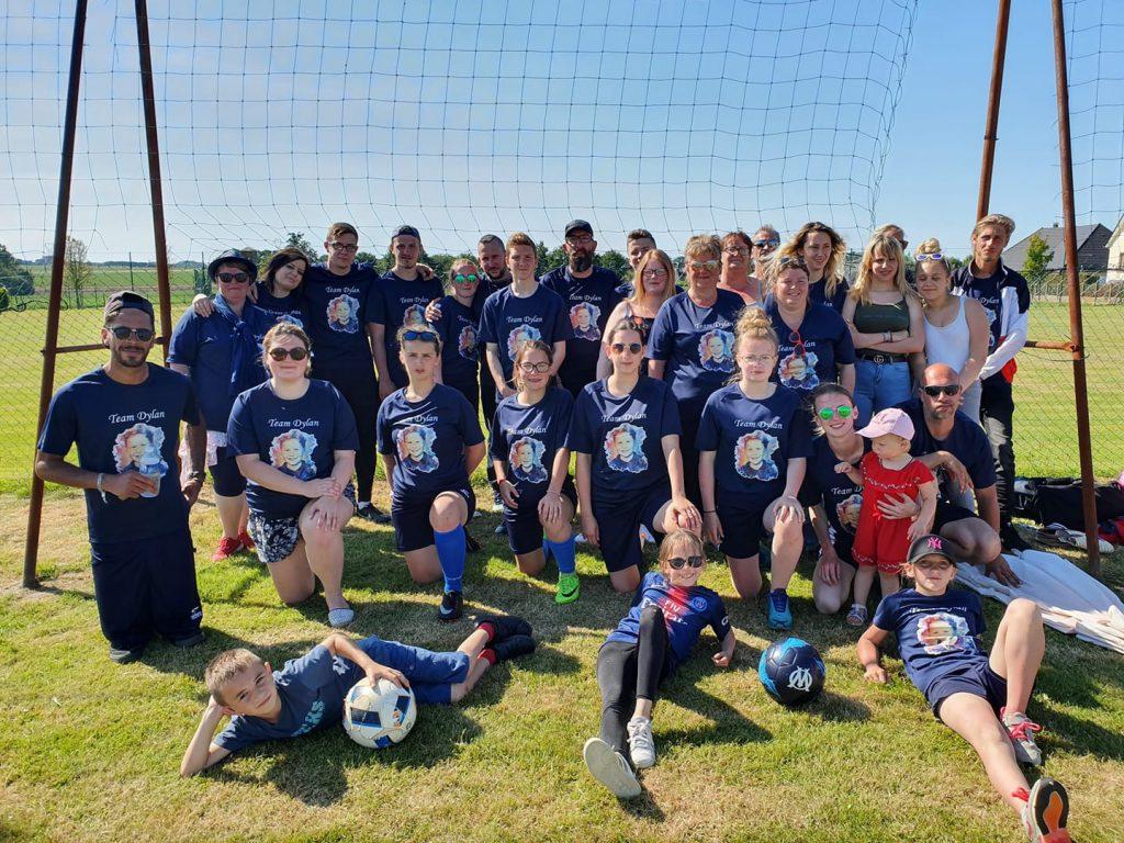 L'équipe de Bervely du magasin avec les tee shirts réalisés par Equipsport