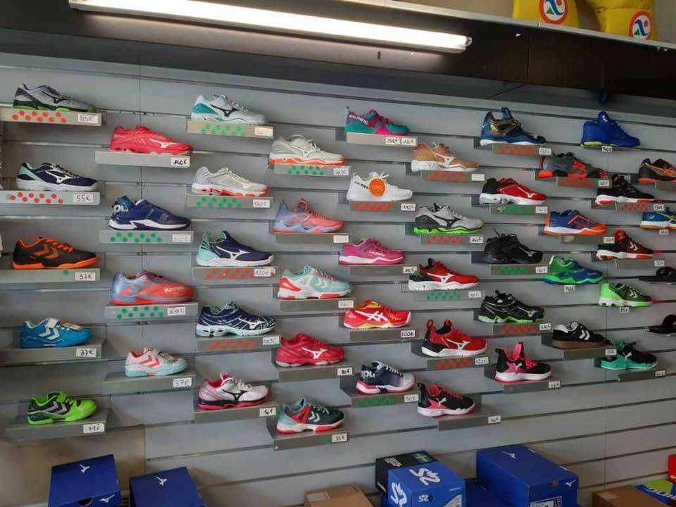 20% de remise sur toutes les chaussures de handball en stock magasin !